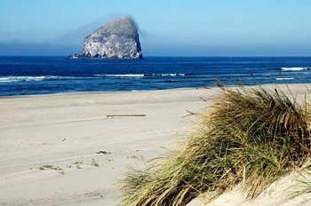 Pacific City, Oregon (Photo courtesy: bluebook.state.or.us)