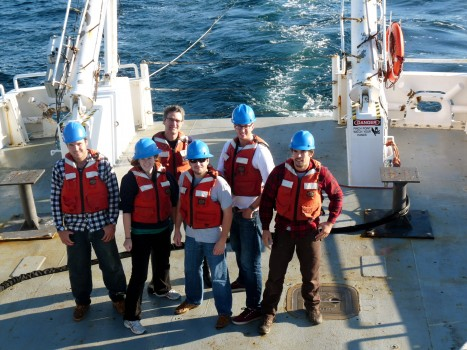 University of Rhode Island (URI) undergraduates taking part in Research Vehicle Endeavor's 500th cruise last month were briefed on the Ocean Observatories Initiative as they traveled near the future Pioneer Array area off the coast of New England. Shown in photo (left to right) are students Crisostomo Gomez, Katie Blood, Eric Kretsch, Adam Arrighi and Kelsey Huyghebaert with David Smith, Associate Dean for Academic Affairs at URI Graduate School of Oceanography, in the back row. (Credit: Leslie Smith, OOI Program Management Office Communications)